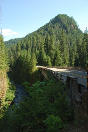 hwy 138 and umpqua river
