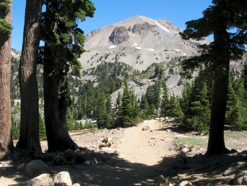 lassen peak from bumpass trail