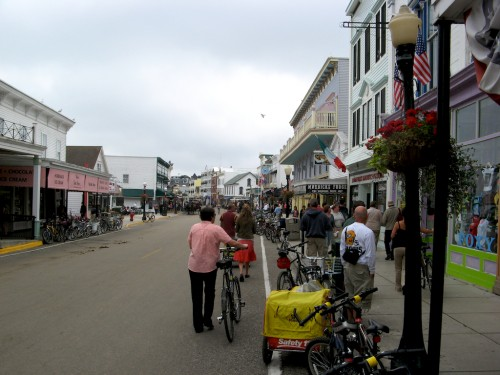 mackinac-island_main-street