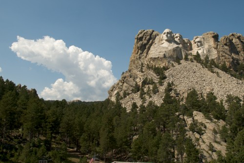 mt-rushmore_cloud