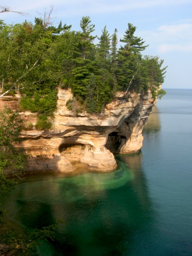 pictured-rocks_near-grand-portal
