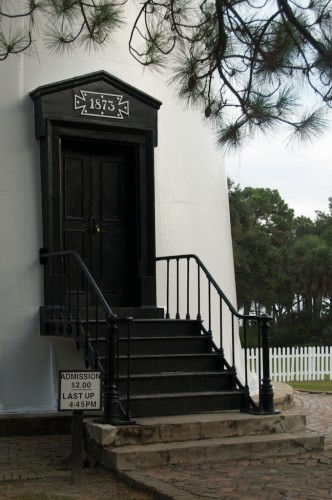 hunting-island_lighthouse-door