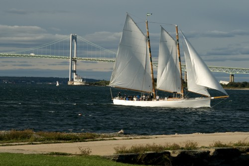 newport_three-masts