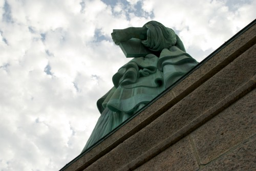 sol_statue-of-liberty-book