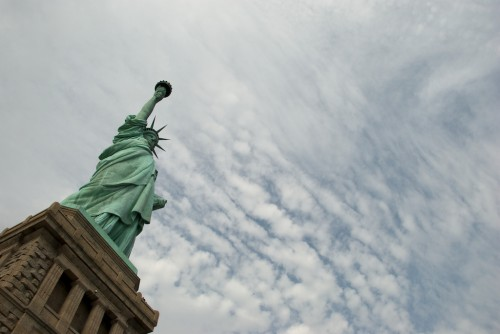 sol_statue-of-liberty-slant-sky