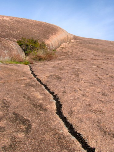 enchanted-rock_creases