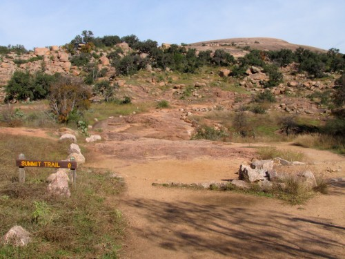 enchanted-rock_trail-panorama