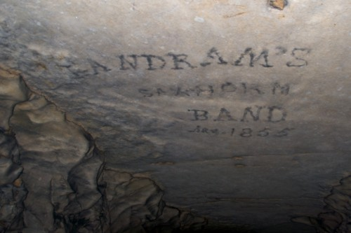 mammoth-cave_graffiti